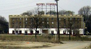 white-stripes-hotel-yorba